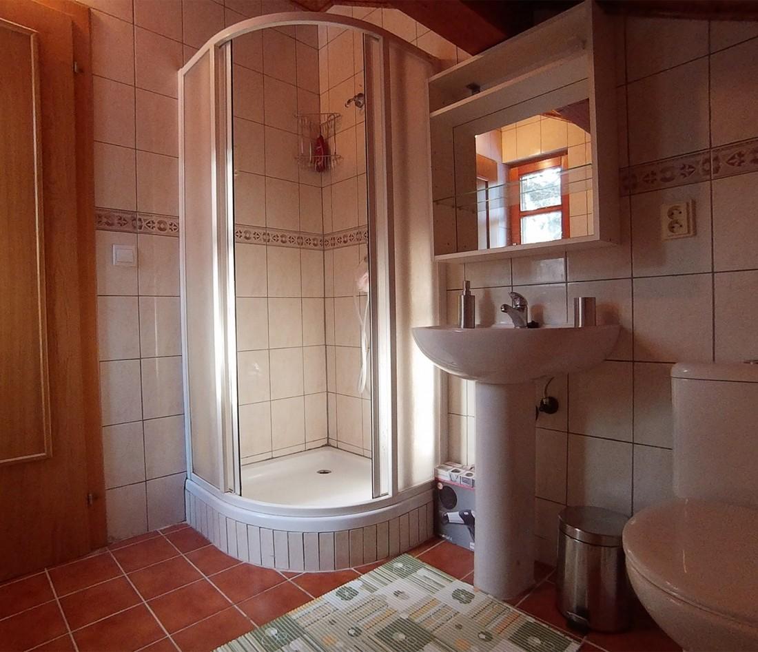 Kúpeľňa na 2 poschodí