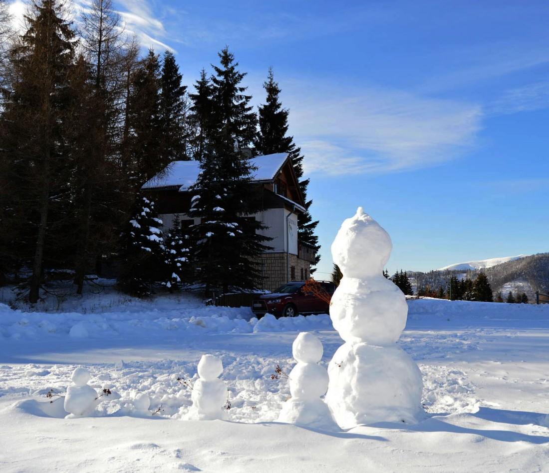 Pohľad na chatu Snežienka